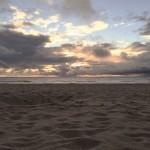 Strand bei Sonnenuntergang in Farbe
